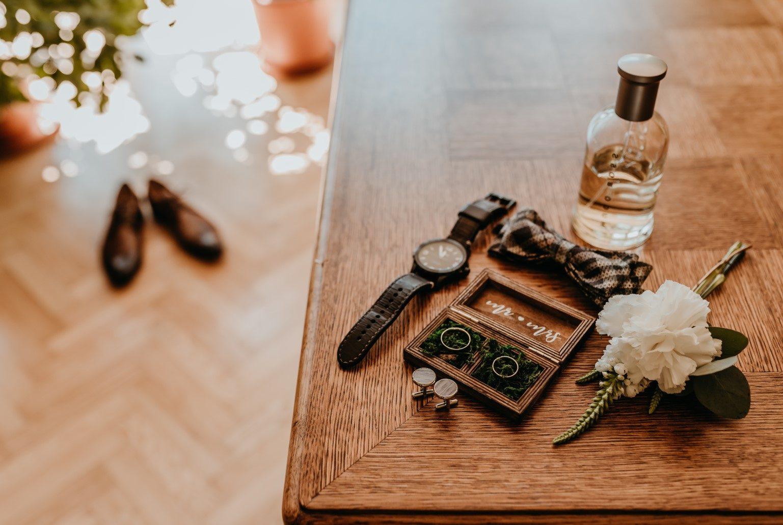 rustykalne wesele Firlejowe Sioło, detale ślubne, detale pana młodego