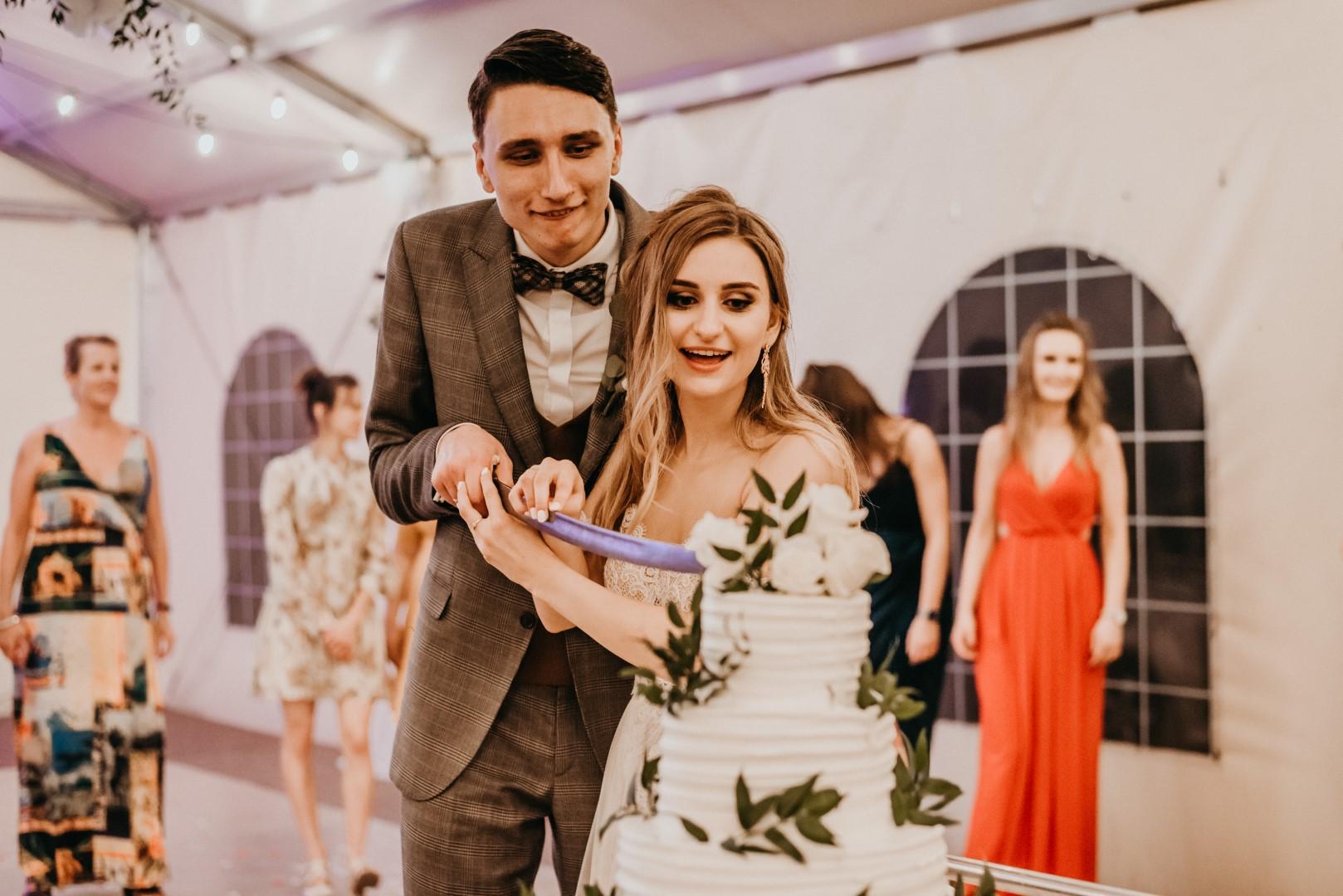 rustykalne wesele Firlejowe Sioło, tort weselny, rustykalny tort weselny