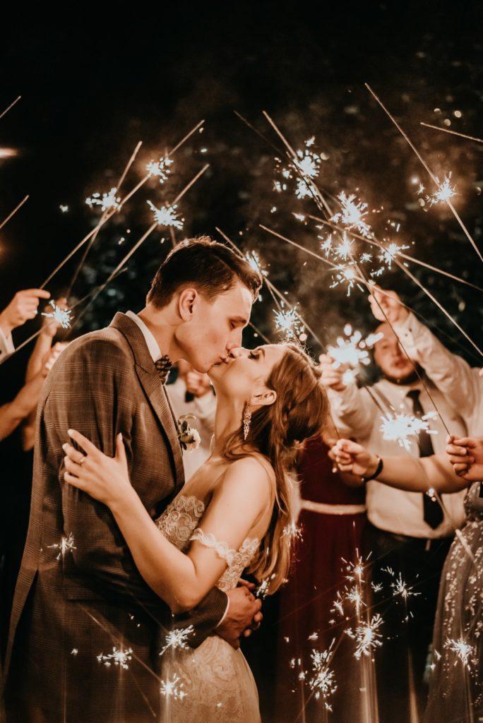 rustykalne wesele Firlejowe Sioło, zimne ognie, rustykalne wesele, rustykalna panna młoda