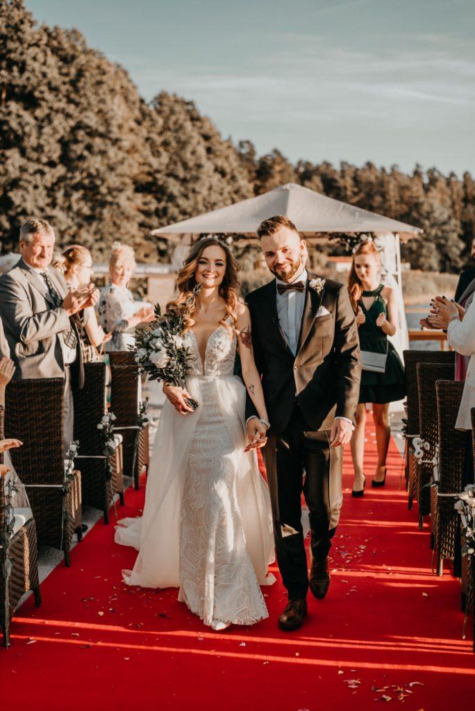 ślub humanistyczny na Mazurach, para młoda, małżeństwo, mąż i żona